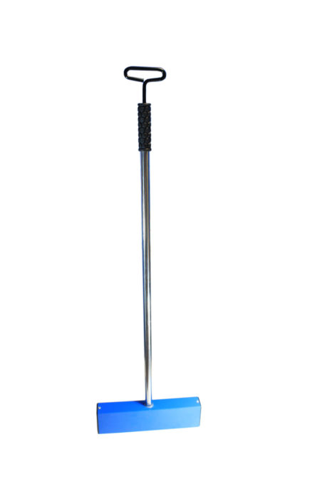 Hand held Releasable Magnet Sweeper